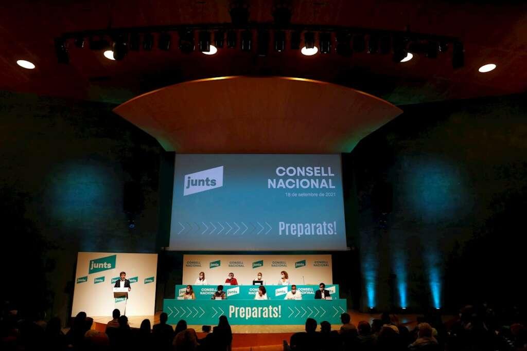 El secretario general de JxCat, Jordi Sànchez, interviene ante el consell nacional del partido, que se reúne por primera vez desde su creación. EFE/Alberto Estévez