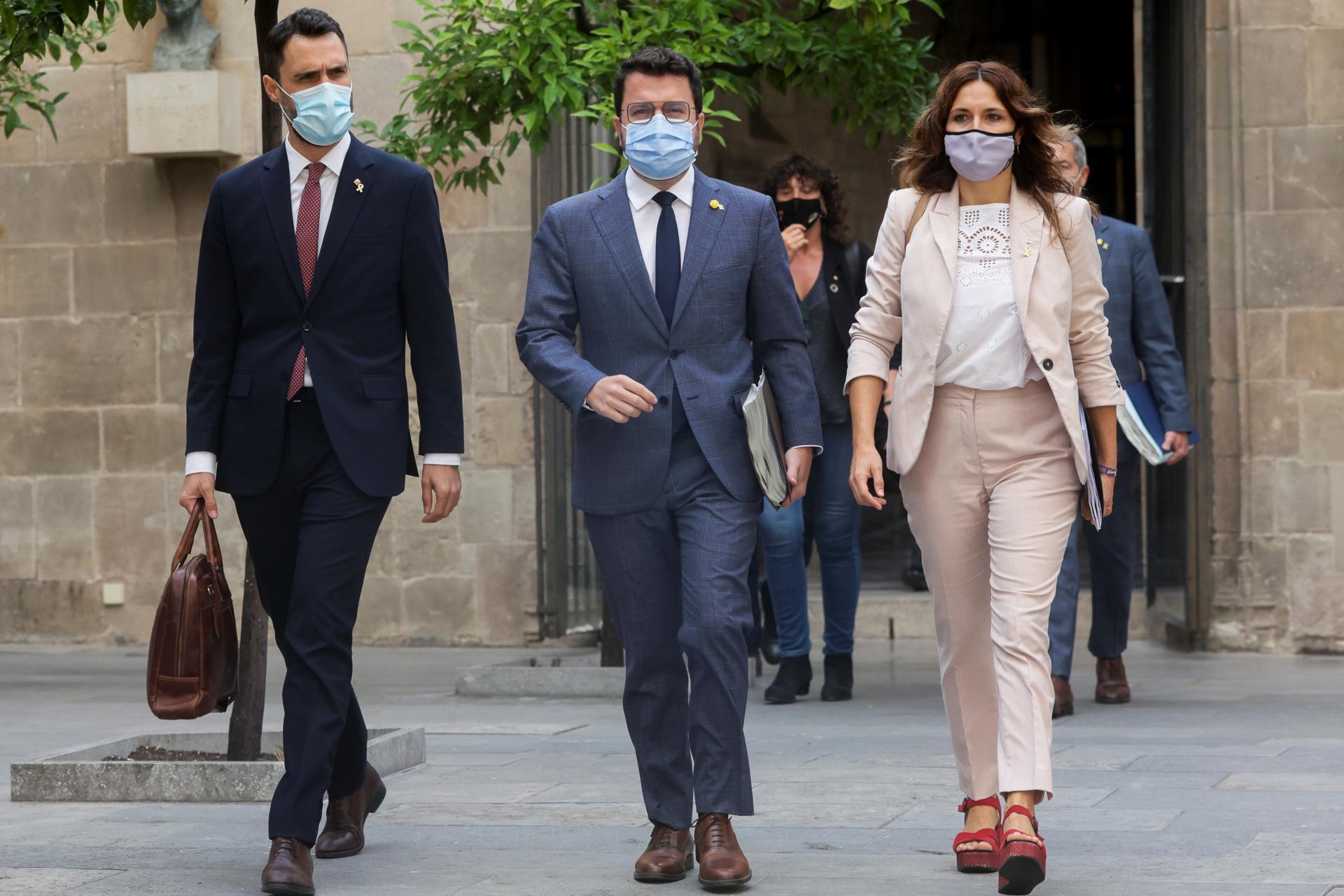 El Govern se desmarca de la manifestación en contra de la ampliación del aeropuerto de El Prat. En la imagen, Pere Aragonès, Laura Vilagrà y Roger Torrent. EFE/Quique García