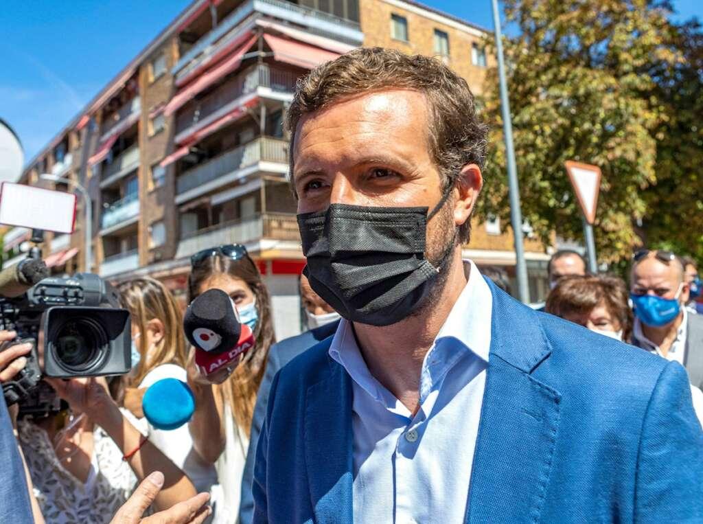 El presidente del Partido Popular, Pablo Casado, a su llegada a la inauguración de la nueva sede del PP de Castilla-La Mancha.EFE/ Ángeles Visdómine