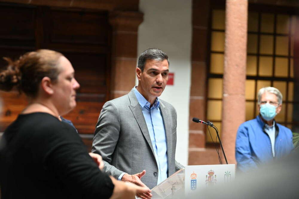 Pedro Sánchez comentó la detención de Puigdemont en su visita a La Palma.