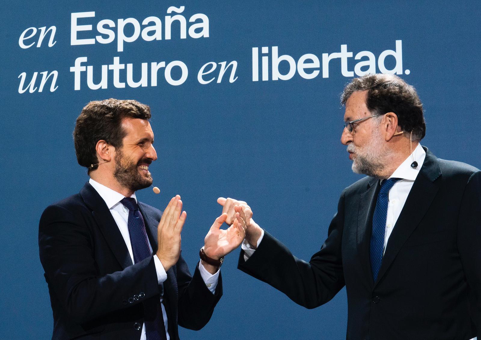 El líder del PP, Pablo Casado, junto al expresidente Mariano Rajoy en la Convención Nacional del partido. Foto: David Mudarra/PP