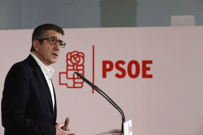El exlehendakari Patxi López en rueda de prensa. Foto: EFE
