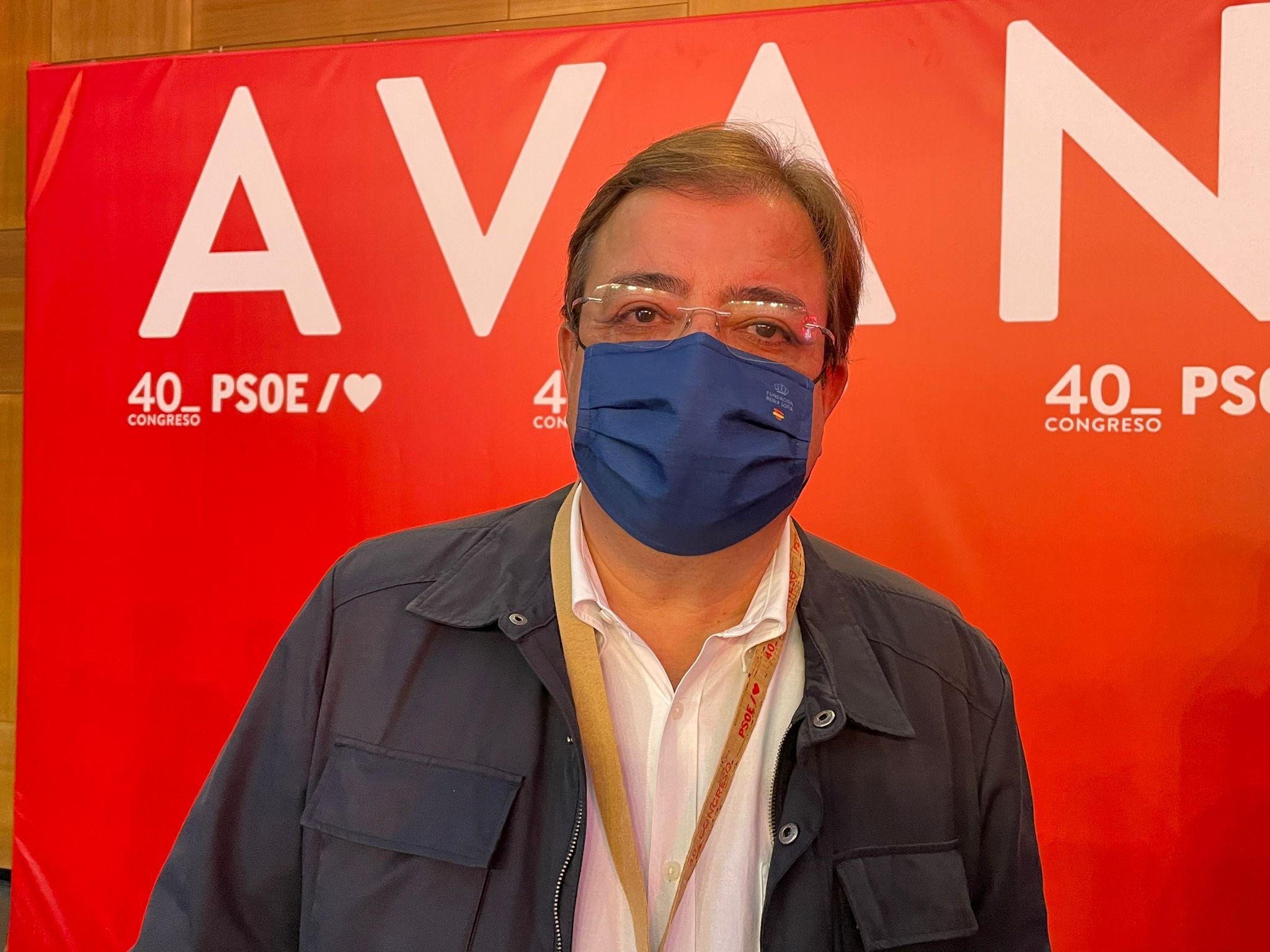 El presidente de Extremadura, Guillermo Fernández Vara, en la entrevista con Economía Digital en el Congreso Federal del PSOE. Foto: NV/ED
