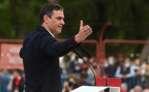 El presidente del Gobierno, Pedro Sánchez, durante el acto de cierre de campaña que los socialistas celebraron en el auditorio parque forestal Entrevias. EFE/Fernando Villar